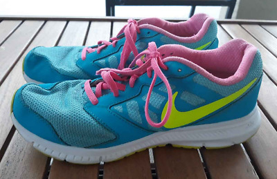 134ba8d76440 NIKE ROSHE Run 599729-608 Running Shoe Girls Size 6.5 Youth -  7.99 ...