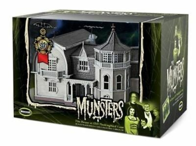 Moebius  PRE-BUILT Munsters 1313 Mockingbird Lane House Model 16MMB16