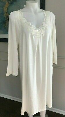NWT Oscar de la Renta Neiman Marcus Woman s Nightgown 100% Cotton White ... bf7ee03e1