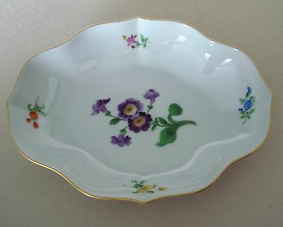 "ANTIQUE MEISSEN PORCELAIN OBLONG TRAY FLORAL DESIGN GOLD TRIM 7 3/8x5 1/2"" MINT"