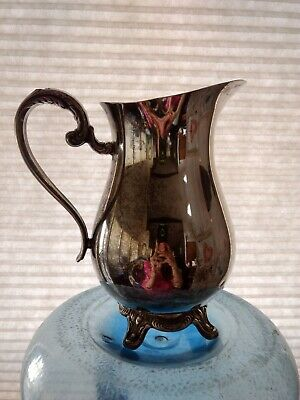 Vintage Wm Rogers Silver Plated Footed Lipped Water Pitcher Flower Vase