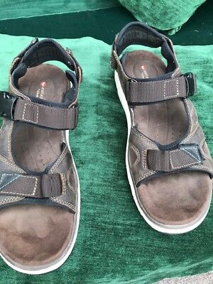 6a70bb5524b0 Mens CLARKS Un Trek Bar Mens Sport Sandals Olive Nubuck COST £69.00 SIZE 10