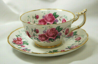 Royal Chelsea 4211A English Bone China Tea Cup & Saucer Made in England S8852