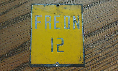 "REFRIGERANT, METAL SIGN, VERY OLD, 2-1/4"" x 2"", Yellow & Silver, Part# 052412B"