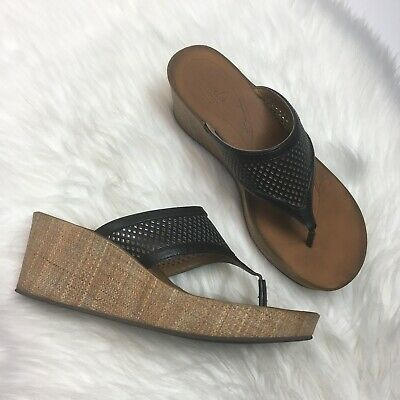 c9bf2708874 Clarks Collection Womens Perforated Wedge Thong Sandals Size US 9.5 M Black