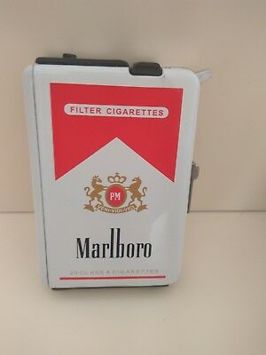 Metal Marlboro Red Cigarette Case Tin Box With Lighter!!! NEW !!