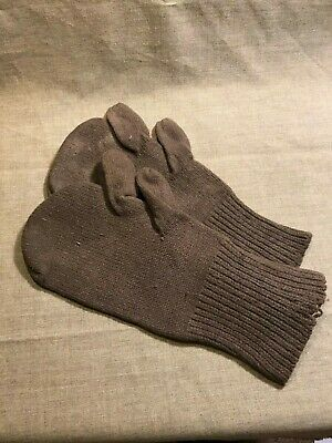 WWII US Army wool knit trigger finger mittens