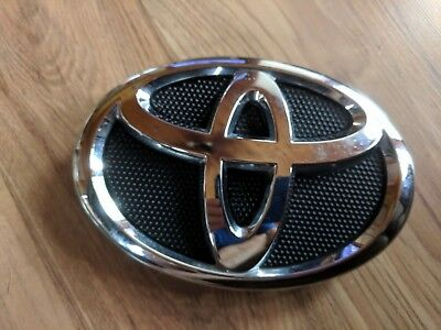 2007 2009 Toyota Camry Front Grille Emblem 75311 06060