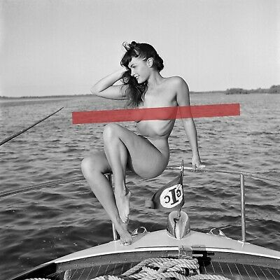 """1954 BETTIE PAGE Photo """"QUEEN OF PIN-UPS"""" in FLORIDA """"SHIPS AHOY"""" Various Sizes"""