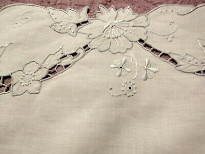 """White Linen Vintage Madeira Cutwork & Embroidery Table Runner 29 1/2 x15"""""""