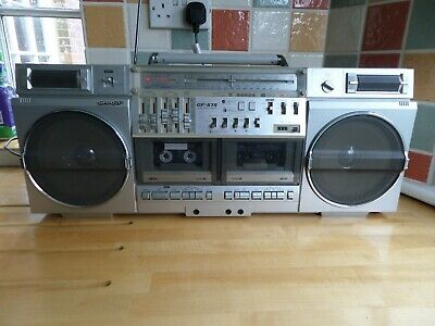 Sharp GF 575 Ghetto blaster. Working, good sound, record deck, MP3, Ipod input