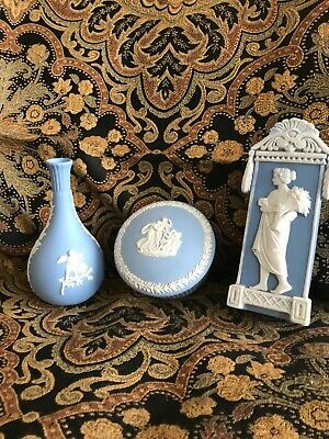 Vintage WEDGWOOD Jasperware  Light Blue Lot Powder Box ? Pillbox Vase & bud vase
