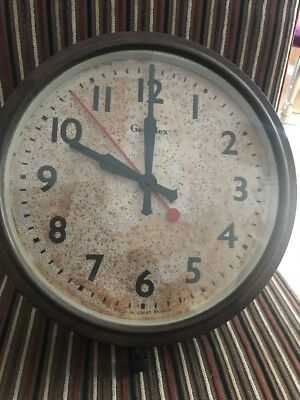 Vintage Bakelite Wall clock - Genalex - Station School Factory Kitchen Art Deco