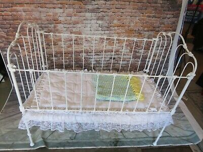 Antique Victorian White Wrought Iron Baby Crib Or Doll Display Crib / Daybed