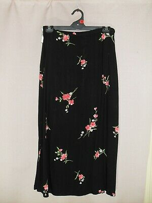 "1980's Vintage ""Dorothy Perkins"" A-Line Skirt with Floral Pattern."