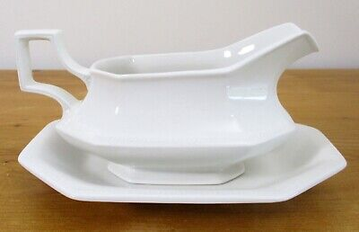 Johnson Brothers 'Heritage White' Gravy Boat and Stand