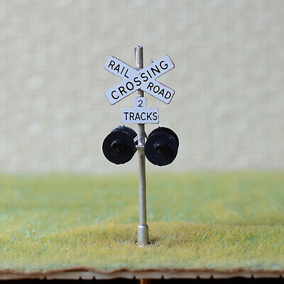 1 x HO scale railroad grade crossing signals 2 track LED made 4 target silver #X
