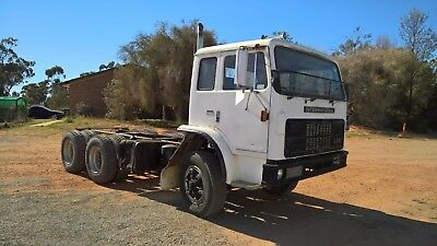 1986 International Bogie Drive Truck  Cab / Chassis