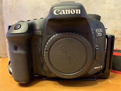 Canon EOS 7D Mark II DSLR Camera (Body Only) w/L-Bracket And Deluxe Battery Grip