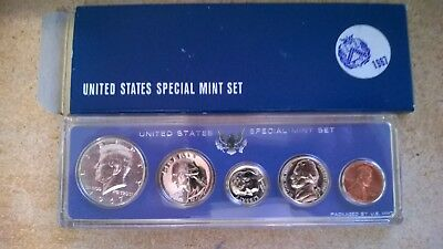 1967 US SPECIAL MINT SET -with 40% SILVER KENNEDY HALF-DOLLAR