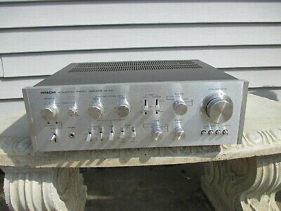 Hitachi Integrated Stereo Amplifier HA-610 For Parts or Repair