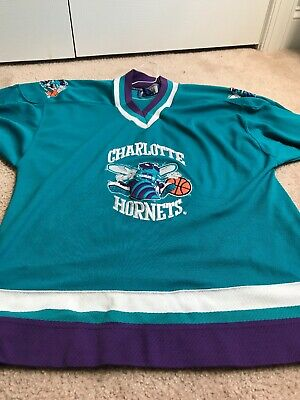 7651f3248209 VINTAGE CHARLOTTE HORNETS Throwback Hockey Starter Jersey Large ...