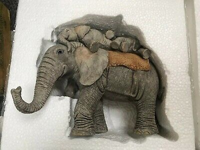 Tuskers Hitchin A Ride 91010 Country Artists Elephant Boxed Hand Crafted