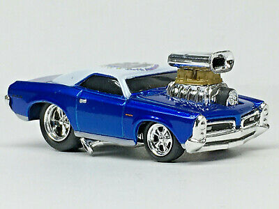 Blue Mint//Loose 1//64 Muscle Machines 2004 Vote America /'56 OLDS 88 w//Blower