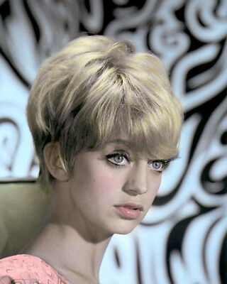 """GOLDIE HAWN HOLLYWOOD ACTRESS, DIRECTOR, PRODUCER 8x10"""" HAND COLOR TINTED PHOTO"""