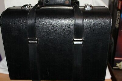 large double camera hard case fits two cameras in good used condition