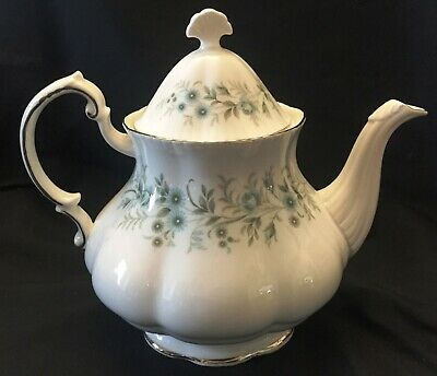 Paragon Fine Bone China Tea Pot w/Lid, Debutante Pattern, Made in England, 5 Cup