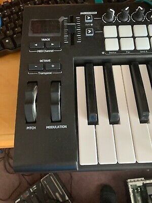 Novation Launchkey 25 Brand New Open Box