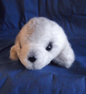 *1807a*  Russ Berrie - baby seal  (#930) - plush - 13cm
