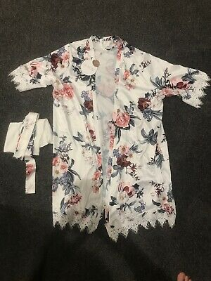 Le Rose White Floral Bridal Robe S/M With Soft Belt & Bag **NEW WITH TAGS**