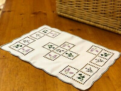 2 Pack Fine Linens Placemat Traycloth Embroidered Table Lavender Scottish Floral