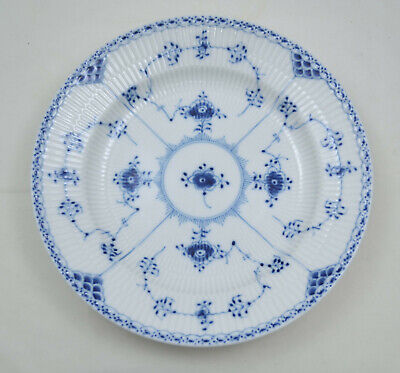 Royal Copenhagen Halbspitze Blue fluted half lace - Speiseteller 25,5cm -