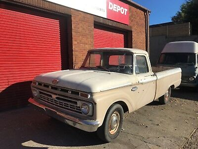 Ford F100 1965 V8 352 engine, Lowered Suspenion American Pick Up Shop Truck