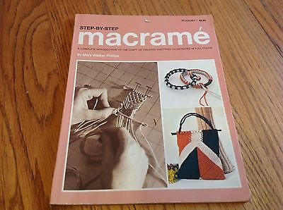 Step-By-Step Macrame - Instruction Pattern How-To Introduction - Creative Knotti