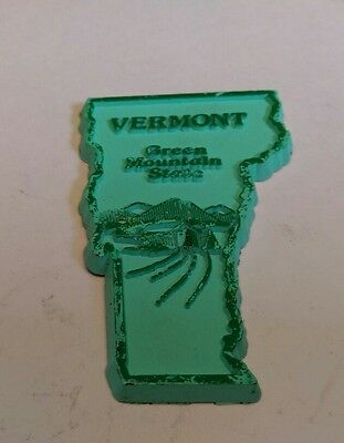 Vintage map magnet Vermont Green Mountain State Fridge Collectible Collectors VT