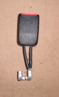 1998 Vw Passat B5 Saloon Centre Rear Single Seat Belt Reciever