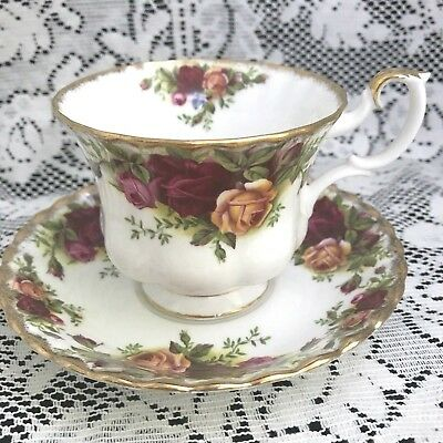 Royal Albert Fine Bone China Old Country Roses Cup & Saucer, Made in England