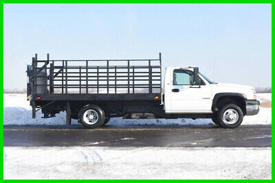 2005 CHEVROLET 3500 FLATBED STAKE BODY - LIFT GATE NO Reserve Auction!
