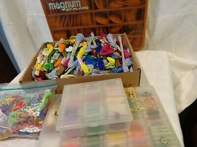 Huge 600+ pc Estate Lot Embroidery Thread Floss Cross Stitch with Cases