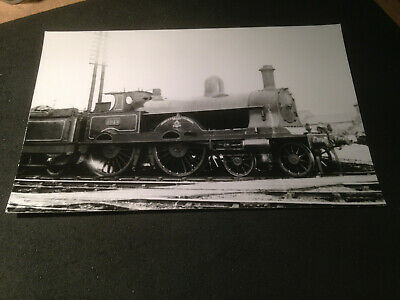 London & North Western Railway 4-4-0 Renown Class No.1914 Invincible. RP pc size
