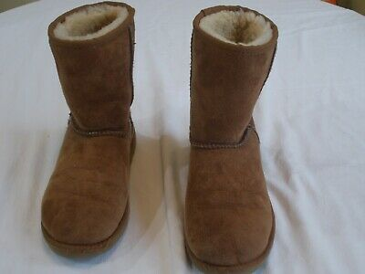 acde8c45545 LITTLE GIRL'S UGG Classic Short Suede Chestnut Boots Size 4 S/N 5251