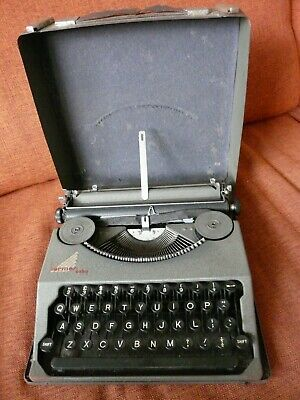 1937 Hermes Baby typewriter with original metal case QWERTY, cleaned, serviced