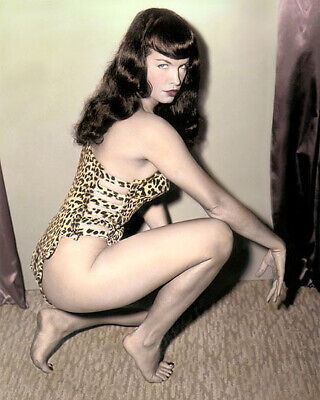 """BETTIE PAGE FETISH MODEL QUEEN OF PINUPS 8x10"""" HAND COLOR TINTED PHOTOGRAPH"""