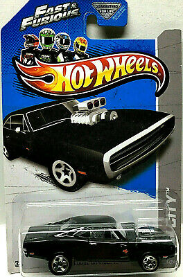 Hot Wheels 2013 Hw City Serie F&f Dom's '70 Dodge Charger R/T Schwarz #3