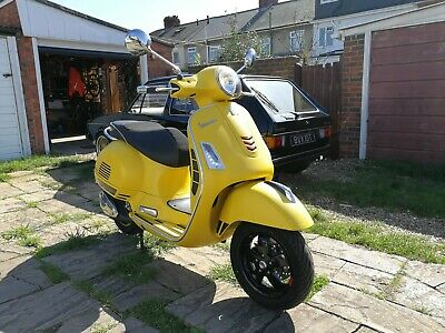 2017 Vespa GTS 300 Supersport Yellow 291 Miles HPI Clear