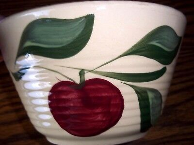 SMALL WATT POTTERY MIXING BOWL, #7, APPLE w/ FOUR LEAVES, RIBBED